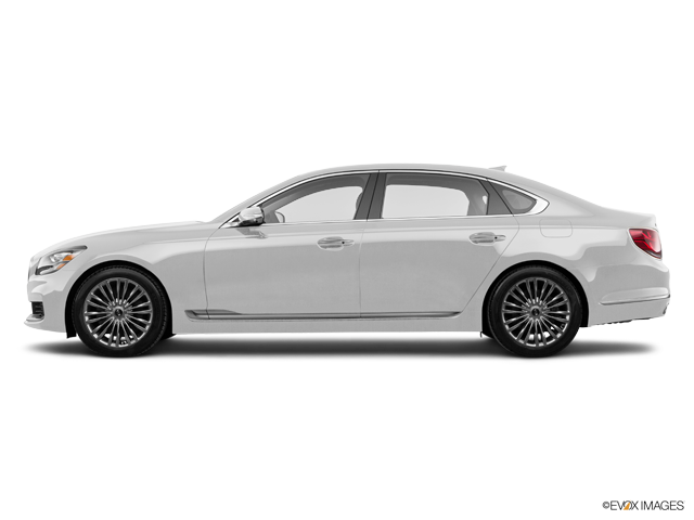 2020 Kia K900 4dr Car